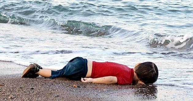 پدر آیلان کردی: ما مردمی مستضعف هستیم ،کشتار مردم سوریه رامتوقف کنید.