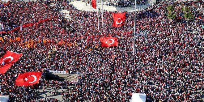 تاج زاده: آزادى و حضور میلیونی مردم عامل شکست کودتا در ترکیه بود